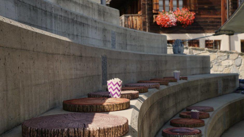 kino-ufum-dorfplatz-eischoll-tourismus